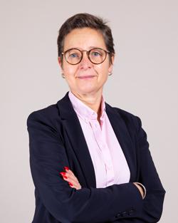Maître Delphine DE BLANDÈRE